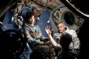 Alfonso-Cuaron-Sandra-Bullock-George-Clooney-Gravity-set